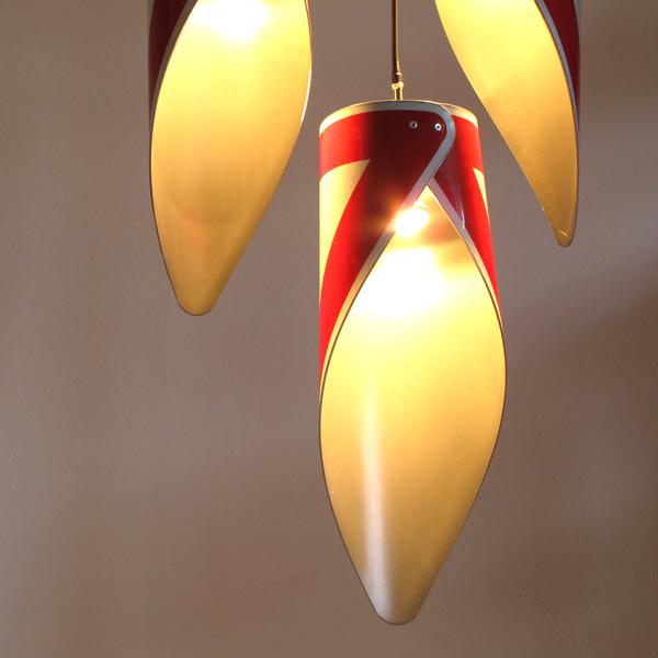 V1h,leuchte,hängeleuchte,verkehrsschild,lamp,street sign,schild,design,foto,andre,stache,upcycling,recycling,reuse