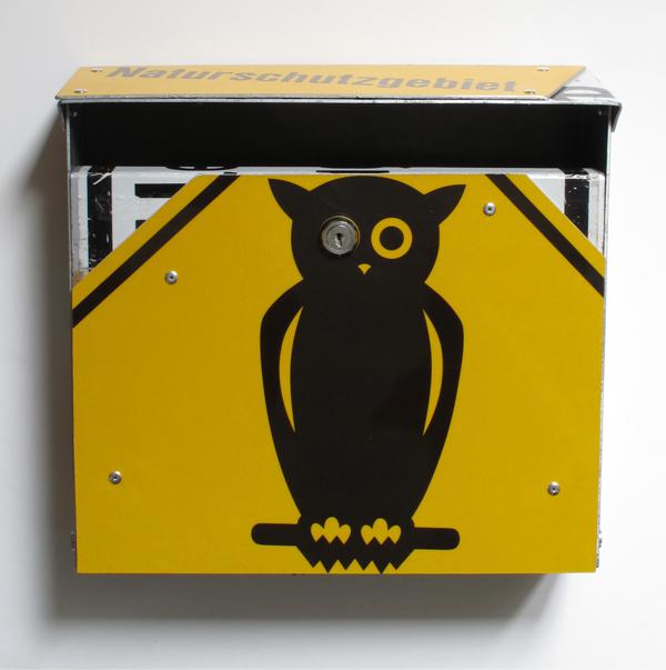 repost,naturschutzgebiet,re post,briefkasten,upcycling,reuse,street sign,verkehrszeichen,straßenschild,post box,andre stache