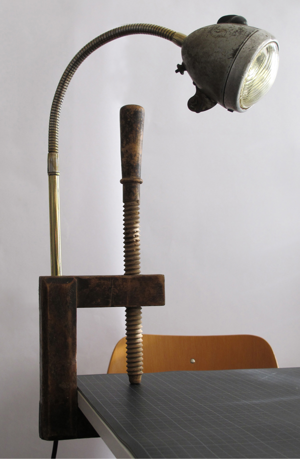 klemmleuchte,holzschraubzwinge,schwanenhals,fahrrad,lampe,leuchte,clamp,light,lamp,wood,vise,vice,c clamp,swanneck,gooseneck,screw clamp,bicycle lamp,andre stache,berlin