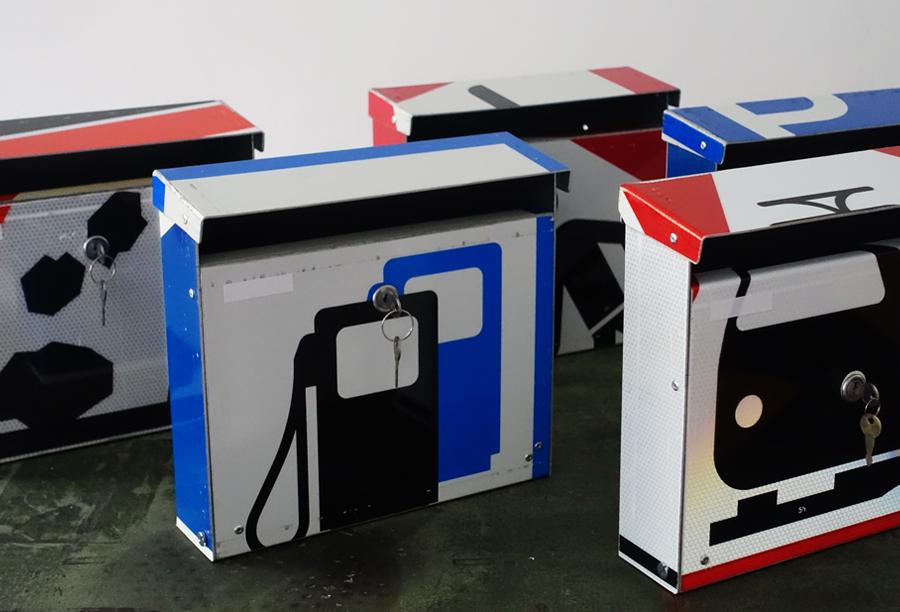 repost,tankstelle,design,kunst,art,handwerk,briefkasten,post box,andre stache,berlin