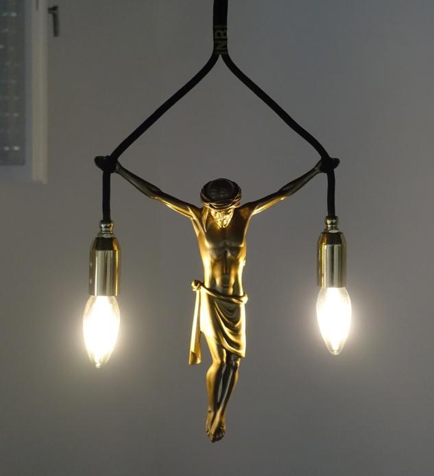 jesus hanging lamp,jesus hänge leuchte,pendelleuchte,andre stache,2