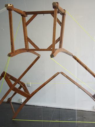 dreistühle,threechairs,installation,tetraeder,chair,tetraechair,andrestache,fotoveskogösel